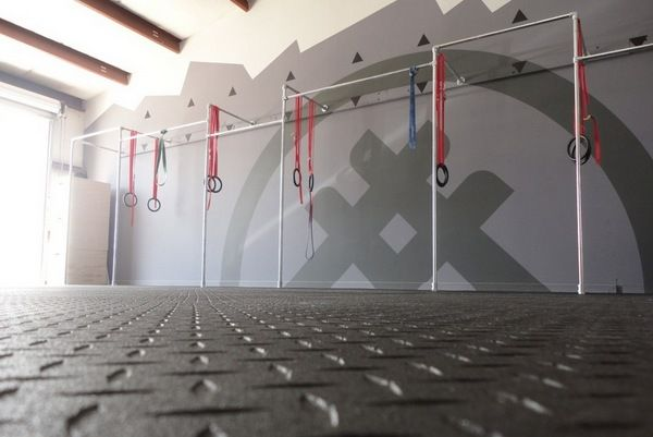 CrossFit is growing in popularity by leaps and bounds and gyms are popping up all over the country with a need for multi-person pull-up stations that are adjustable and flexible. Kee Klamp helps to accomplish the construction of these pull-up stations by providing a system that is both industrial strength and adjustable. #crossfit
