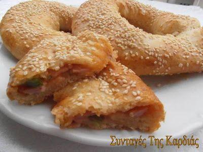 ΣΥΝΤΑΓΕΣ ΤΗΣ ΚΑΡΔΙΑΣ: Γεμιστά κουλούρια με γεύση πίτσας