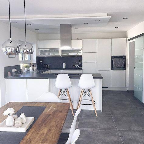 """389 mentions J'aime, 2 commentaires - Westwing Maison & Décoration (@westwingfr) sur Instagram: """"Un sol gris, une table en bois et des suspensions métalisées... Voilà un combo sympa pour votre…"""""""
