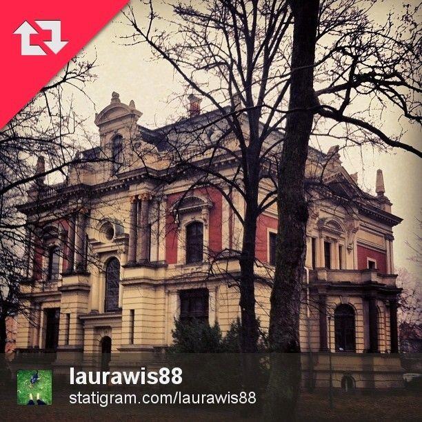 Willa Lentza przy al. Wojska Polskiego w Szczecinie. Autorką zdjęcia jest @laurawis88. Zapraszamy gorąco do odwiedzenia jej profilu oraz oznaczenia Waszych zdjęć tagiem #igers_szczecin. Może to Twoje zdjęcie zostanie wyróżnione na naszym profilu.  #szczecin #stettin #poland #igers #igerspoland