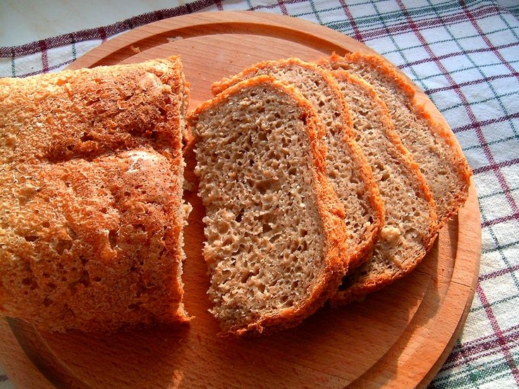 Chleb z czarną herbatą i kaszą kuskus (wypieki z automatu)