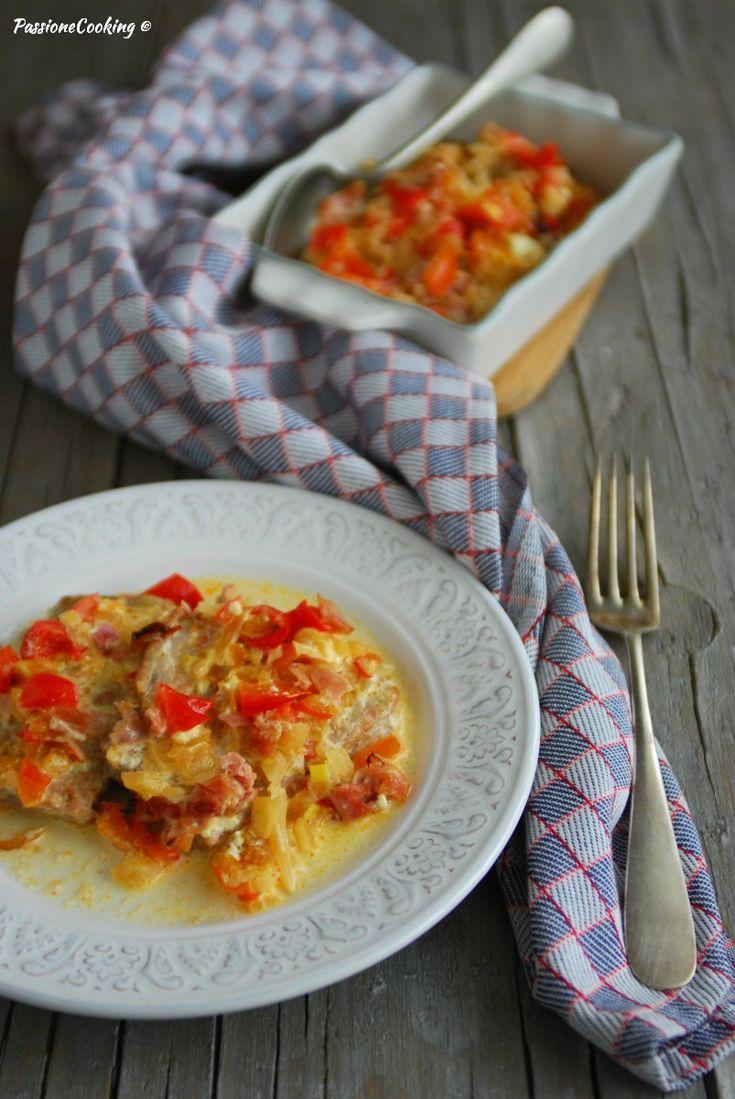 Fettine di lonza al forno con peperoni  http://blog.giallozafferano.it/passionecooking/fettine-lonza-al-forno-peperoni/