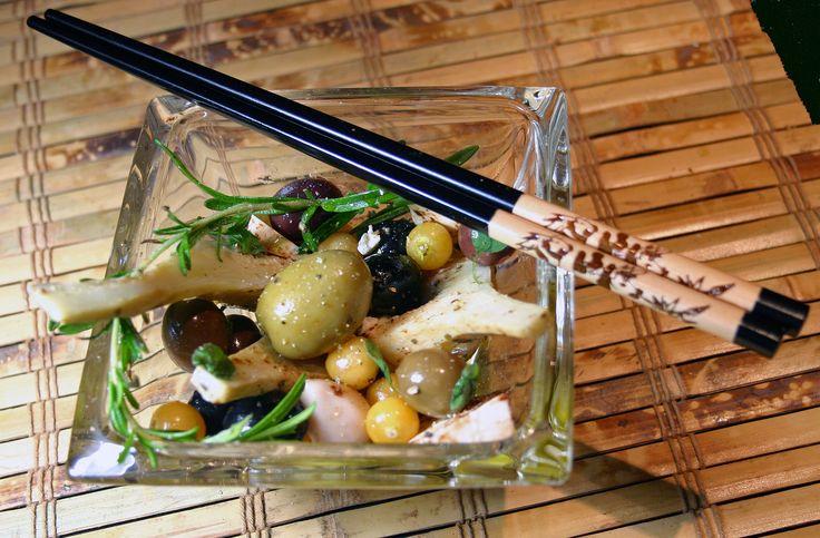 Marinade d'olives et de cerises de terre au romarin sur Wikibouffe