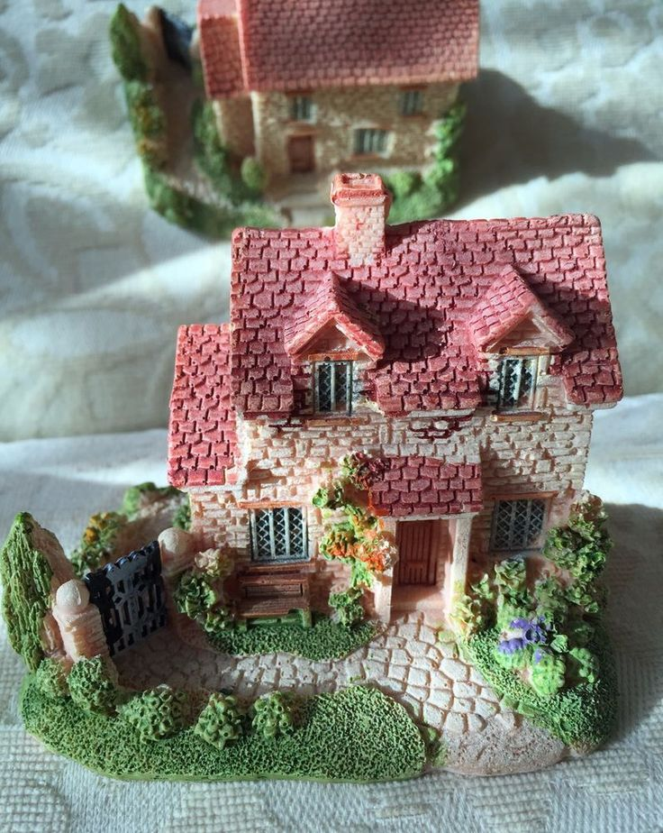 Hand-painted resin very nice miniature house ornaments (Small) | eBay