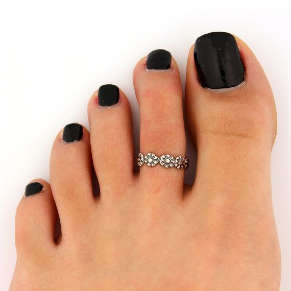 toe ring sterling silver toe ring flower design adjustable toe ring (T-64) Also knuckle ring on Etsy, $11.00