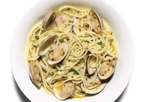 Christian and Ana enjoy Pasta Alle Vongole and a crisp glass of Sancerre at the breakfast bar in the kitchen.  #fiftyshadesofgrey