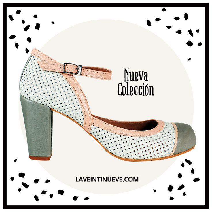 White pumps #retro #heels #spain #laveintinueve #boutique #gotico