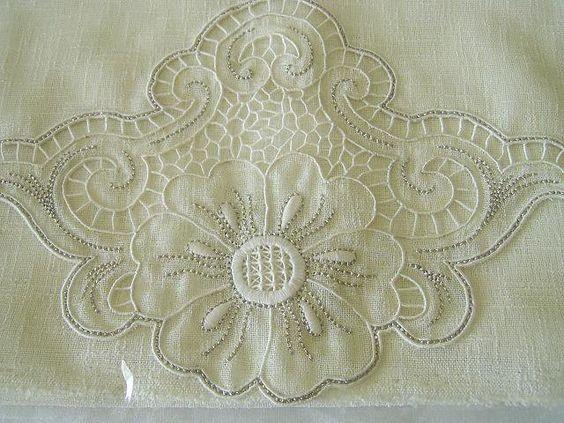 Gallery.ru / Фото #15 - вышивка белой глади - ninmix