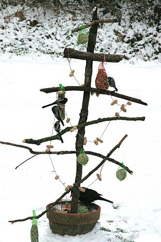 homemade bird table Vogelkerstboom