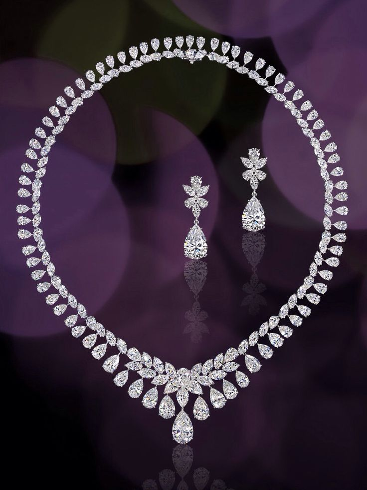 Diamond set from the Dehres Collection