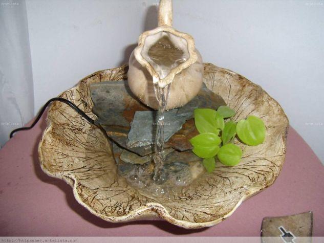 Fuente de agua en pasta piedra