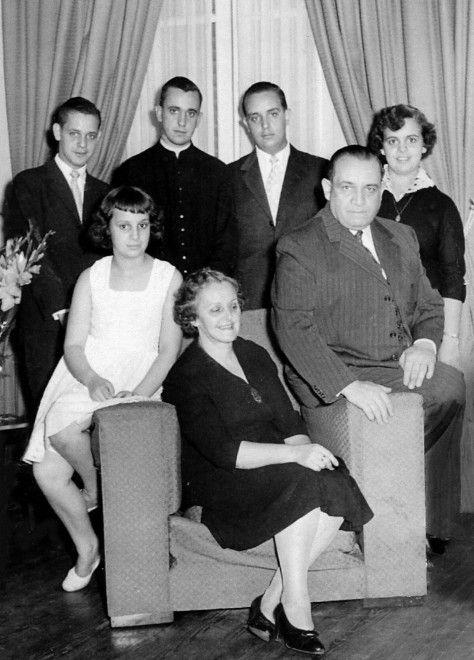 Papa Francesco e famiglia  http://www.ragusanews.com/foto-ragusa/le-foto-di-famiglia-di-papa-francesco