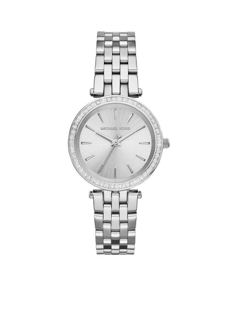 Dit zilverkleurige met steentjes ingelegde Michael Kors horloge is een alleskunner. Zowel casual als chique, dit horloge is van alle markten thuis!
