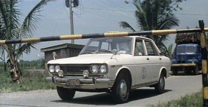 YLN 706 (based on Nissan Bluebird)