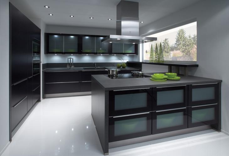 Schwarze kuche von nobilia black kitchen by nobilia for Schwarze küche