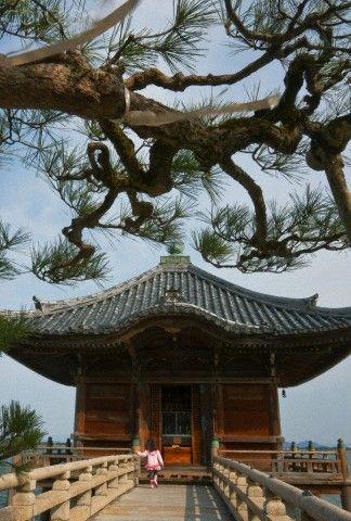 Ukimido -The Floating Temple (Mangetsu-ji Temple),  Lake Biwa, Shiga, japan