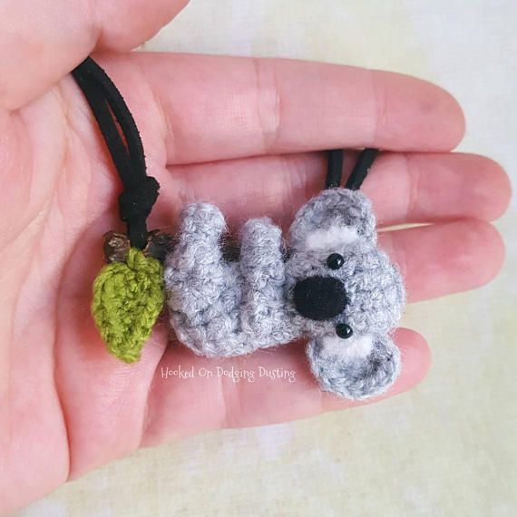 ☆ Last recommended posting date for international orders is 9th Nov 2017. Shipping estimates at bottom of listings ☆ Hello :) This listing is for 1 koala pendant of your choice with a necklace made to your requirements. The pictures are an example of what you will receive. This item
