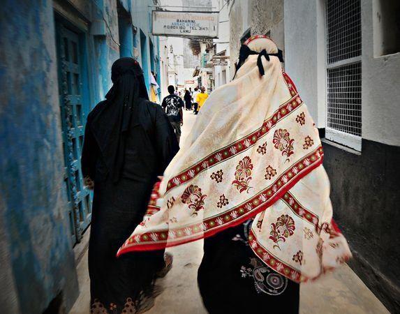 Swahili lady in khanga