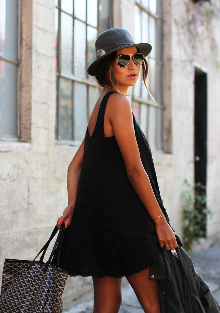black for the summer and a rayban Aviator sunglasses ❤️ www.fuva.nl