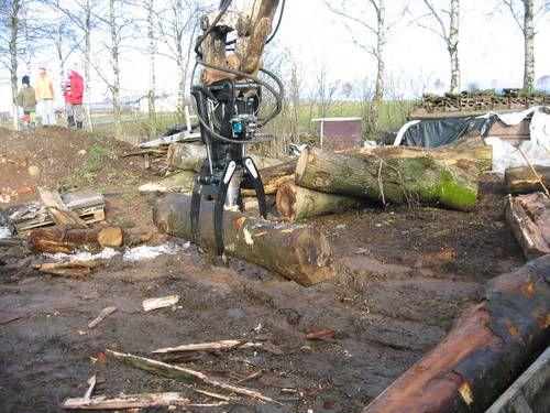 #Rajador de troncos #Blacksplitter reduciendo árbol grueso en fracciones de menos diámetro