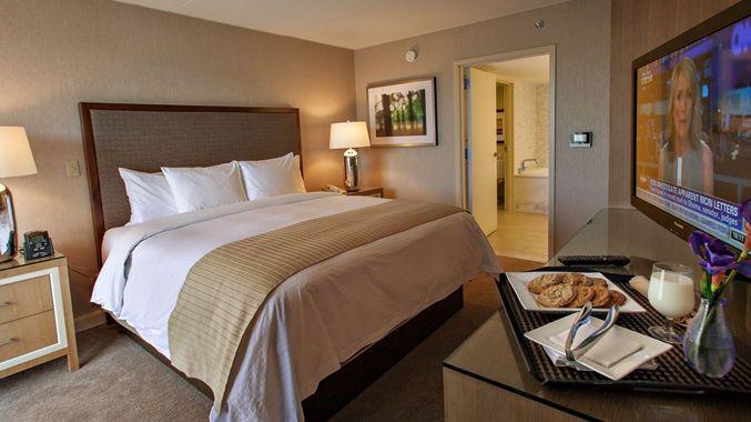 DoubleTree by Hilton Hotel Pittsburgh - Green Tree, PA - Lobby Area | PA15205
