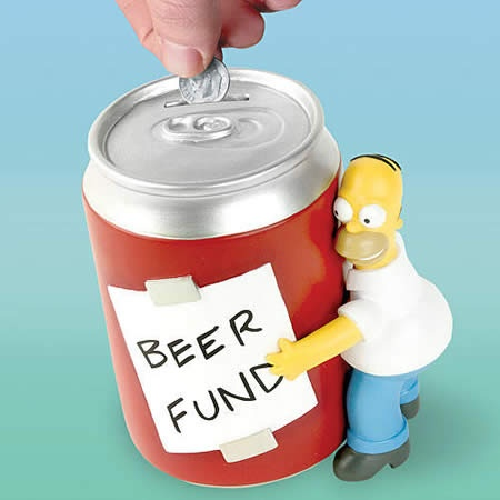 Homer Simpson's beer can coin bank makes it easy to collect and save change. The inspiring 'Beer Fund' message the realistic hand-painted beer can and miniature Homer put a fun modern spin on traditional piggy banks.