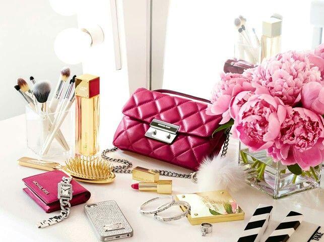 LoveThem# WhatsInYourKors #Pink