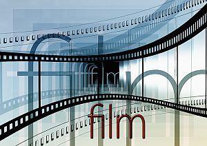 »»» In der Kindheit war ein Kinotag etwas ganz Besonderes. Und wenn die Lampen langsam ausgingen ...    #kultur
