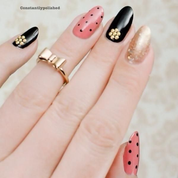 The look: simple, classy, and of course, embellished with gold. Nails by @constantlypolished.