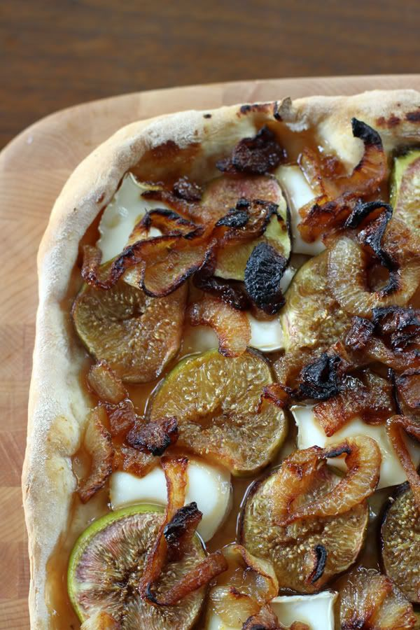 Fig & carmelized onion pizza :PCarmel Onions, Savory Baking, Caramel Onions, Mmm Hmm, Fresh Figs, Onions Pizza, Favorite Recipe, Food Mmm