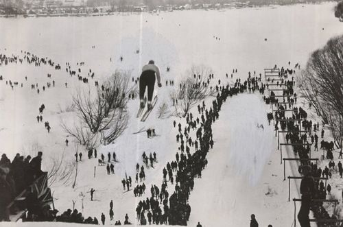 "Skiing ""Suicide Hill"" in Rockcliffe Park, 1910. (Ottawa Citizen File Photo/ City of Ottawa Archives)"