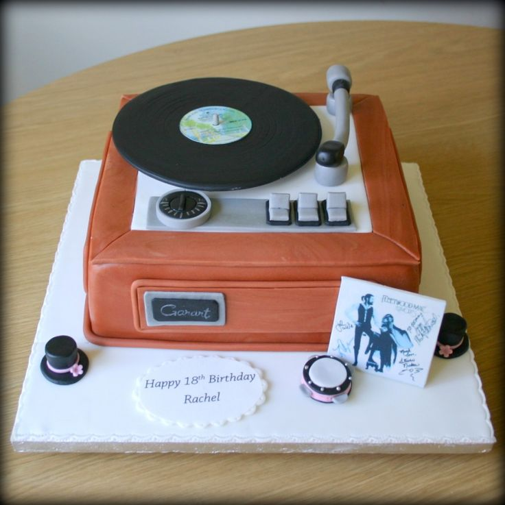 Old fashioned record player Stevie Nicks Fleetwood Mac Cake www.sweet-nothings.co.uk