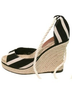 Vintage furniture: Fashion Places, Espadrilles Omg Shoes, Payless Shoes, Fun Stuff, Espadril Omg Sho, Amazing Shoes, Antiques Royals, Shoes Jewels, Funny Pin