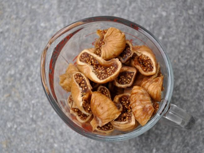 Mix Dried Figs with Olive Oil and Watch What Happens to Your Cholesterol Levels and Stomach Issues
