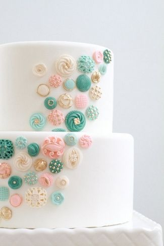 8 DIY Vintage Cake Accessory Ideas   Confetti Daydreams - Dress up with Buttons in all shapes, sizes and colours ♥  ♥  ♥ LIKE US ON FB: www.facebook.com/confettidaydreams  ♥  ♥  ♥ #VintageWeddingCakes #WeddingCakes #VintageWedding