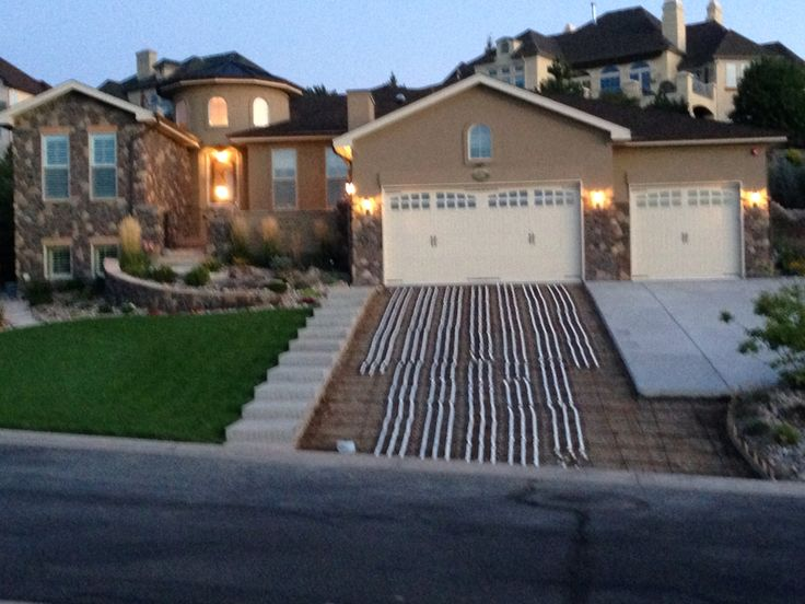 1000 images about driveway on pinterest driveways for Sloped driveway options