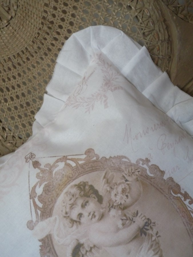 1000 Images About Coussins On Pinterest Taupe Jolie Images And Shabby