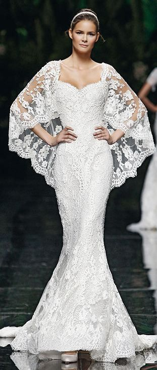"Manuel Mota, 2013  Simply gorgeous!  If I were only 5' 10"" this gown would look fantastic!"