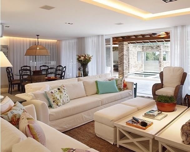 decoracao sofa branco:Fernanda Salas