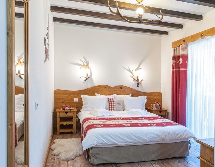 Pensiune ca în Alpii francezi în inima Bucovinei – Fabrika de Case  #DomeniulCerbilor #chalet #bedroom
