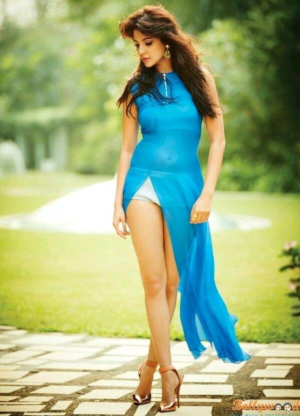 Sexy Unseen Indian girls pic: Naughty anushka sharma bikni stills