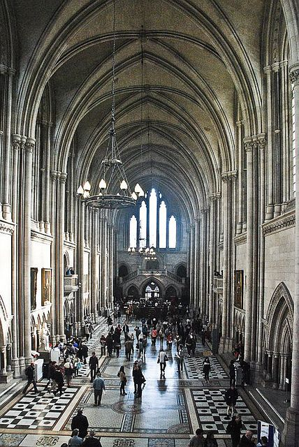 Royal Courts of Justice, London by Treble2309, via Flickr Opened by Queen Victoria in 1882