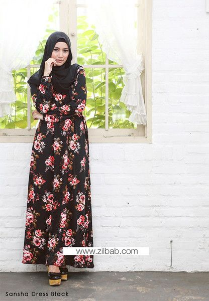 Sansha Dress Black - Klik gambar untuk melihat detail dan harga produk Juniperlane di website zilbab.com. Hijab, Jilbab, Fashion Hijab, Juniperlane Hijab, Hijabi, Juniper Hijab, Juniper Lane.