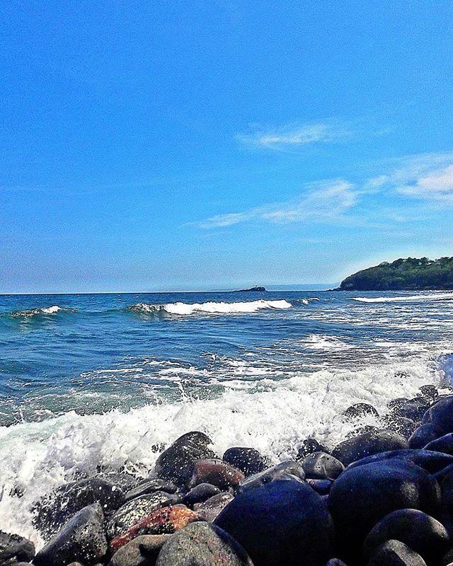Like as the waves make towards the pebbl'd shore, so do our minutes, hasten to their end. -William Shakespeare- . . . . . . . . . . . #veroniclife #jasribeach #balibeaches #karangasem #bali #wisatakarangasem #jalanjalan #igers #folksindonesia #wonderful #wonderlust