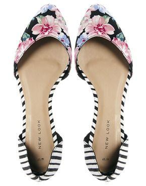 Zapatos planos con diseño en dos partes y estampado multicolor de New Look
