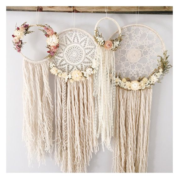 The Willow Dreamcatcher // doily dreamcatcher // boho dreamcatcher // tatting // bohemian wall hanging // dried flowers // gallery wall //