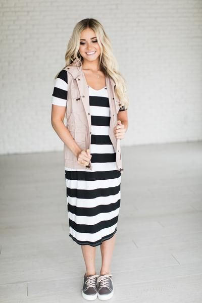 (all sales on April 17th are F I N A L : no returns or exchanges) Sucker for Stripes? Us too. Fabric Content: 95% Rayon, 5% Spandex See Halle's sizing HERE, she is wearing size Small See Margie's sizi