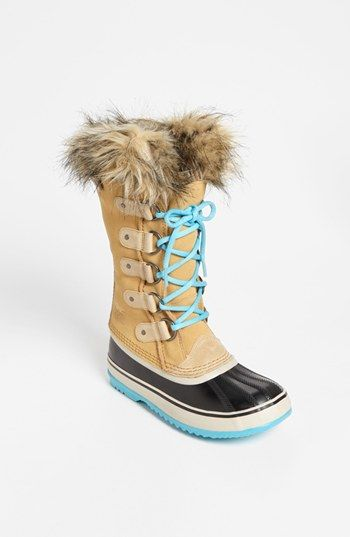 SOREL 'Joan of Arctic' Boot (on sale for $112.46) | Fabulous Gifts For Gals | THE MINDFUL SHOPPER