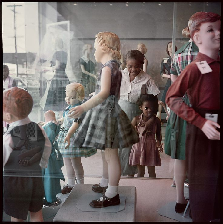 """Gordon Parks, """"Ondria Tanner and Her Grandmother Window-shopping, Mobile, Alabama,"""" (1956), Archival Pigment Print, 30 × 30 inches (all images courtesy the Gordon Parks Foundation and Salon 94, New York)"""
