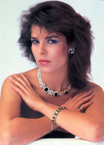 Princess Carolina of Monaco and her sapphires. 80s.